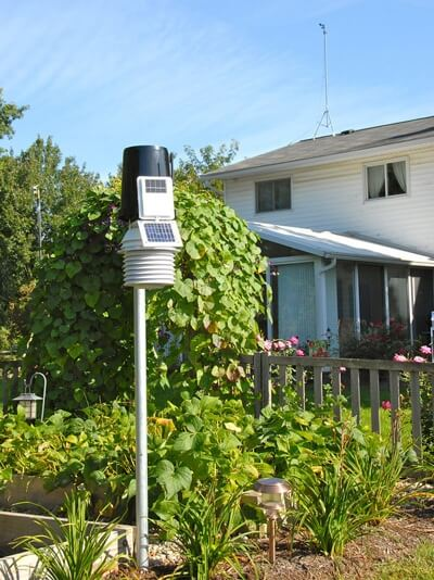 Davis Pro2 weather station in a garden